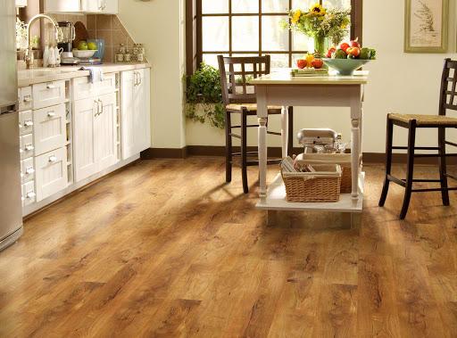 مراقبت از کف چوبی آشپزخانه
